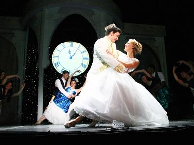 'Cinderella' at the Renaissance teaches kindness in a world of chaos