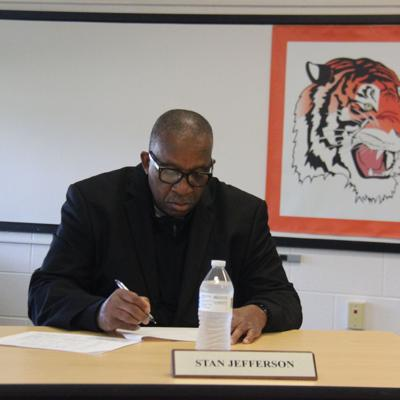 Mansfield City School board approves 4-year contract of Superintendent Jefferson