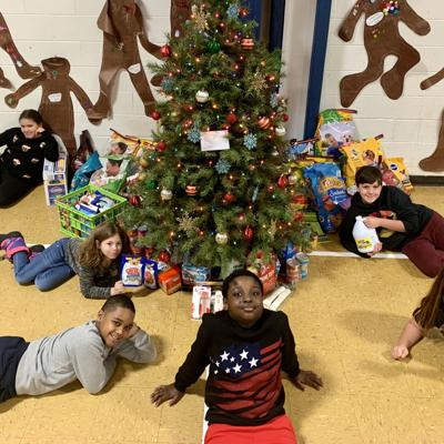 Discovery School donates supplies to Richland County Humane Society