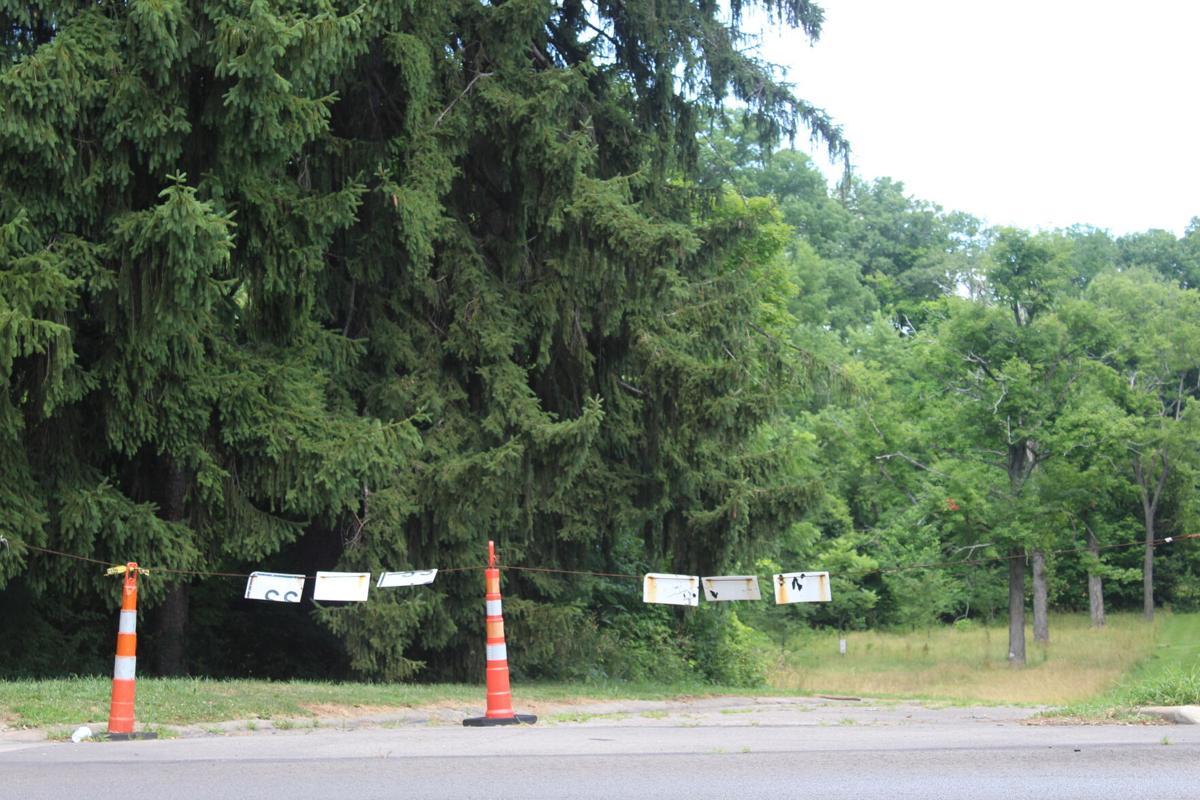 Park Avenue West entrance to Middle Park