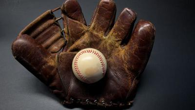 Old-fashioned baseball glove