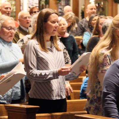 """Community sings """"Hallelujah"""" at Handel sing-along"""