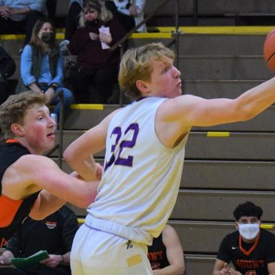 String of narrow defeats continues for Lexington in loss to Mount Vernon