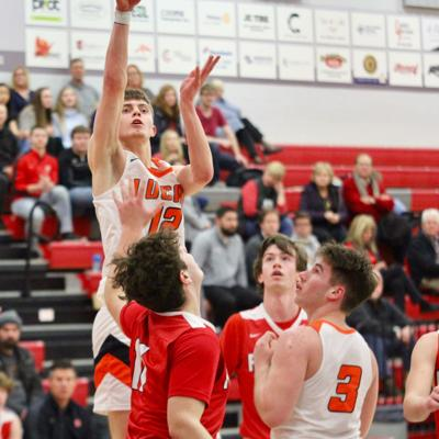 Top-seeded Lucas ousts Mansfield Christian