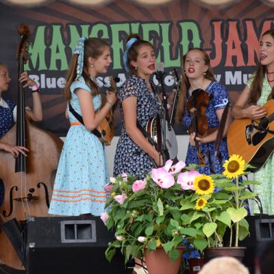 Mansfield Jamfest creates family environment with bluegrass, country music