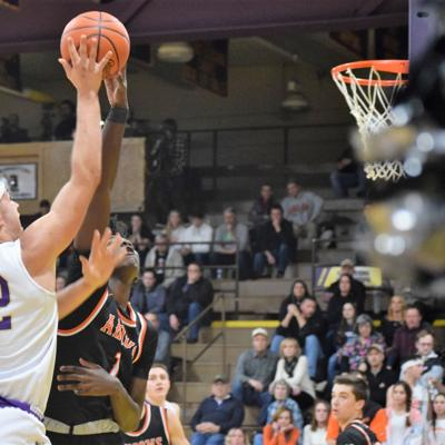 Lexington stops Ashland, now alone atop OCC