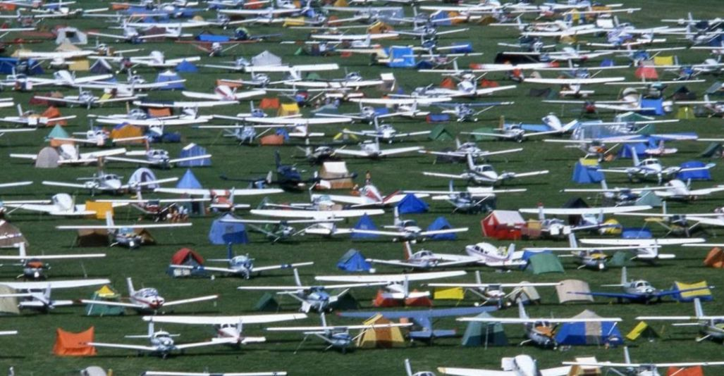 Thousands of airplanes