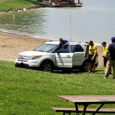 GALLERY: SUV pulled from King Beach