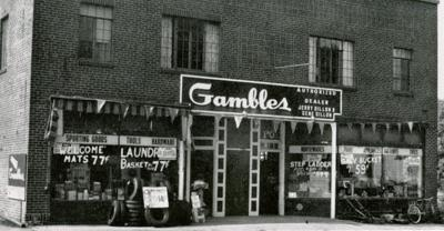 Gambles hardware before Leaning Tower