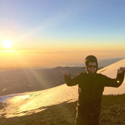 Fox: Snow climbing volcanoes in Hawaii