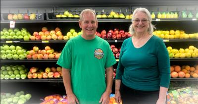 Stoodt's Fresh Market celebrates one year with giveaways, ribbon cutting, sale items and more