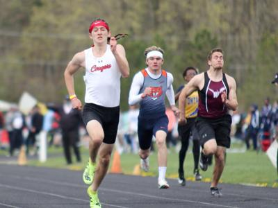 Crestview sends 9 boys to Division III state track meet