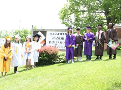 Spanish Immersion students honor graduating alumni