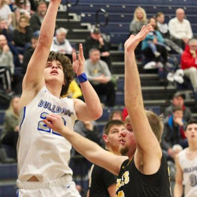 Crestline roughs up Monroeville for first tournament win since 2012