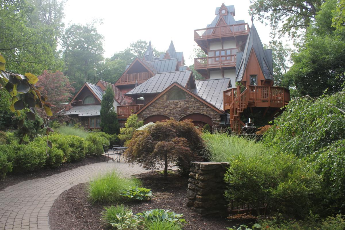 Mohican Castle