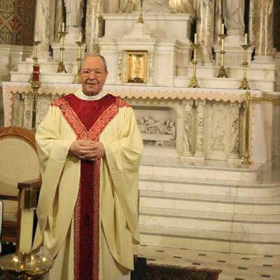 Mansfield St. Peter's pastor preparing to leave parish, retire from active ministry