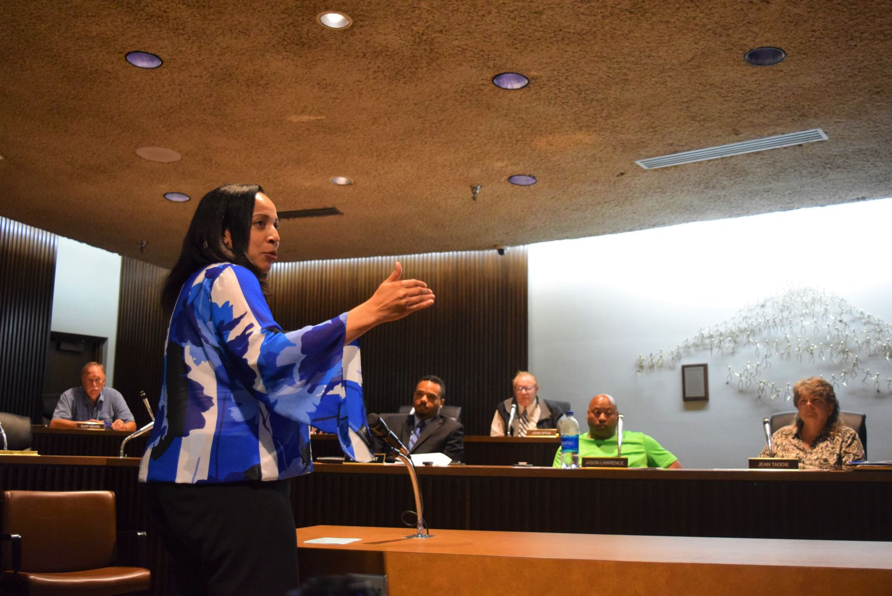 GALLERY: Gun violence in Mansfield discussed