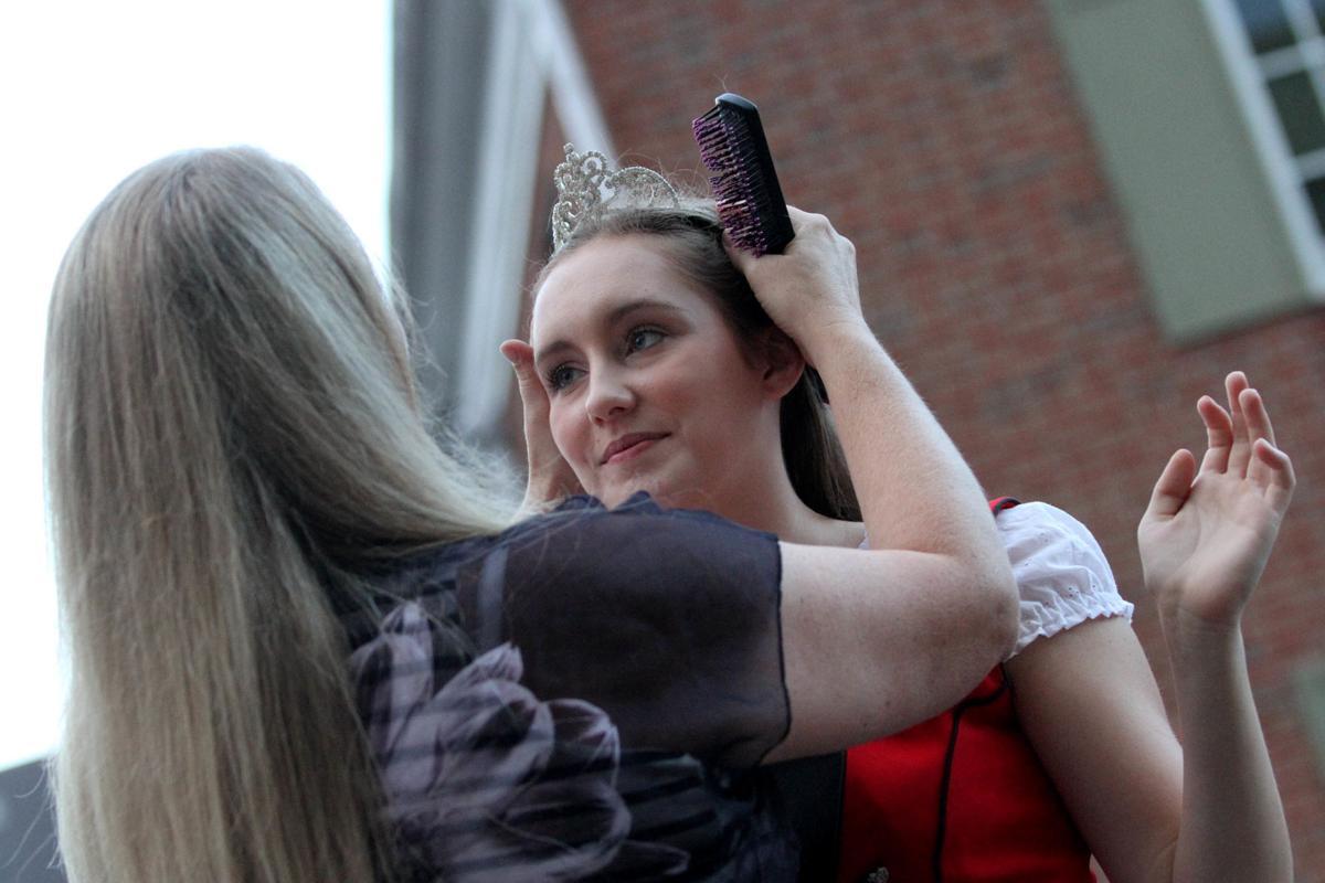 BratFest Queens Pageant 02.jpg