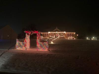 Ontario Christmas lights contest