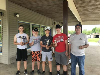 Ashland Arrow golf team volunteers to paint Brookside Clubhouse