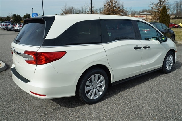 2019 White Diamond Pearl Honda Odyssey