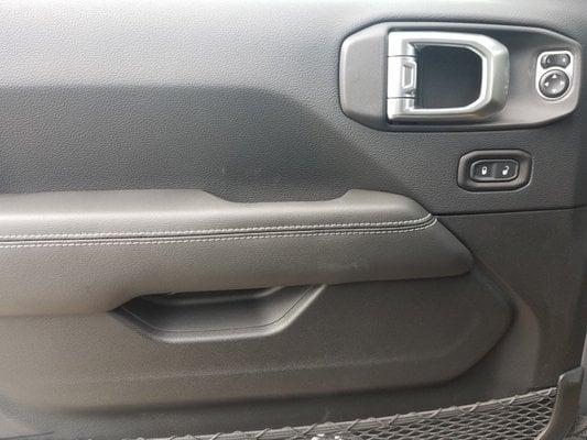 2019 Billet Silver Metallic Clear-coat Exterior Paint Jeep Wrangler  Unlimited