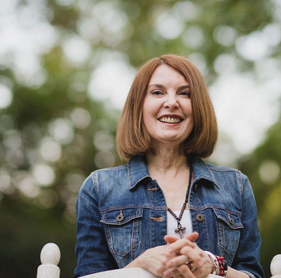 Brenda Walker Headshot