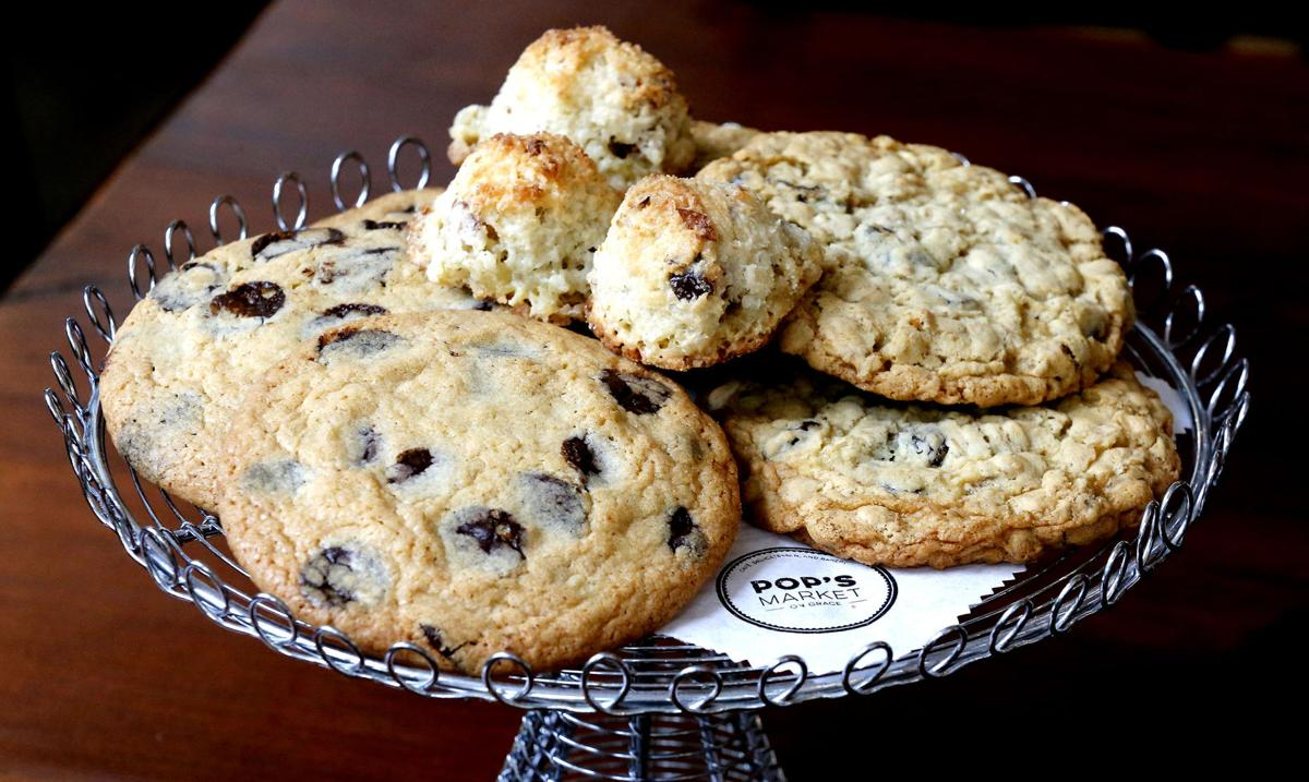 Pop's Market on Grace: Chocolate chip cookies, macaroons and Oatmeal raisin cookies