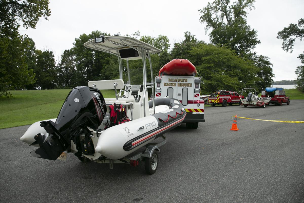 Man missing after boat hits sandbar, overturns in
