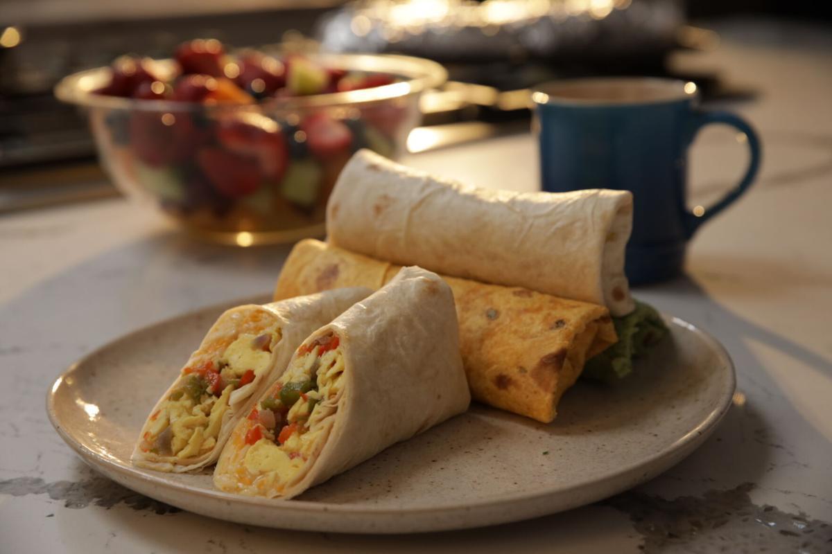 DeliciouslyHealthy BreakfastBurrito_ R_P_0043.JPG