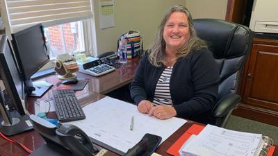 Faye Barton retiring as Powhatan County treasurer
