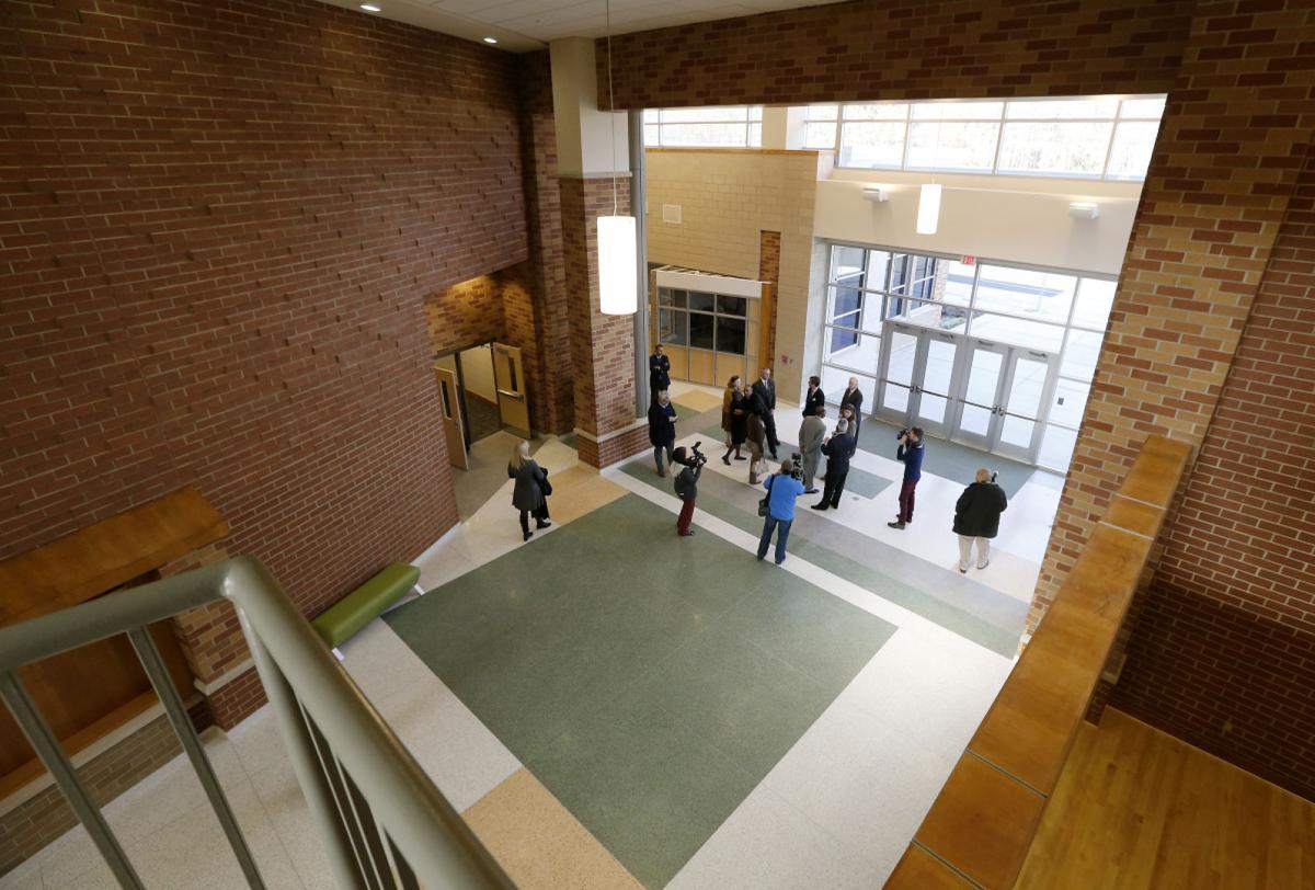 New Huguenot High School