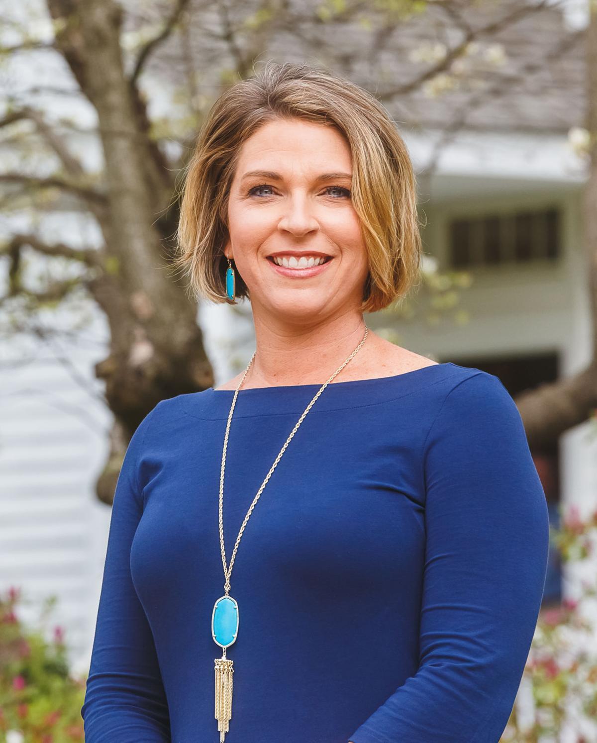 Carrie Coyner Headshot