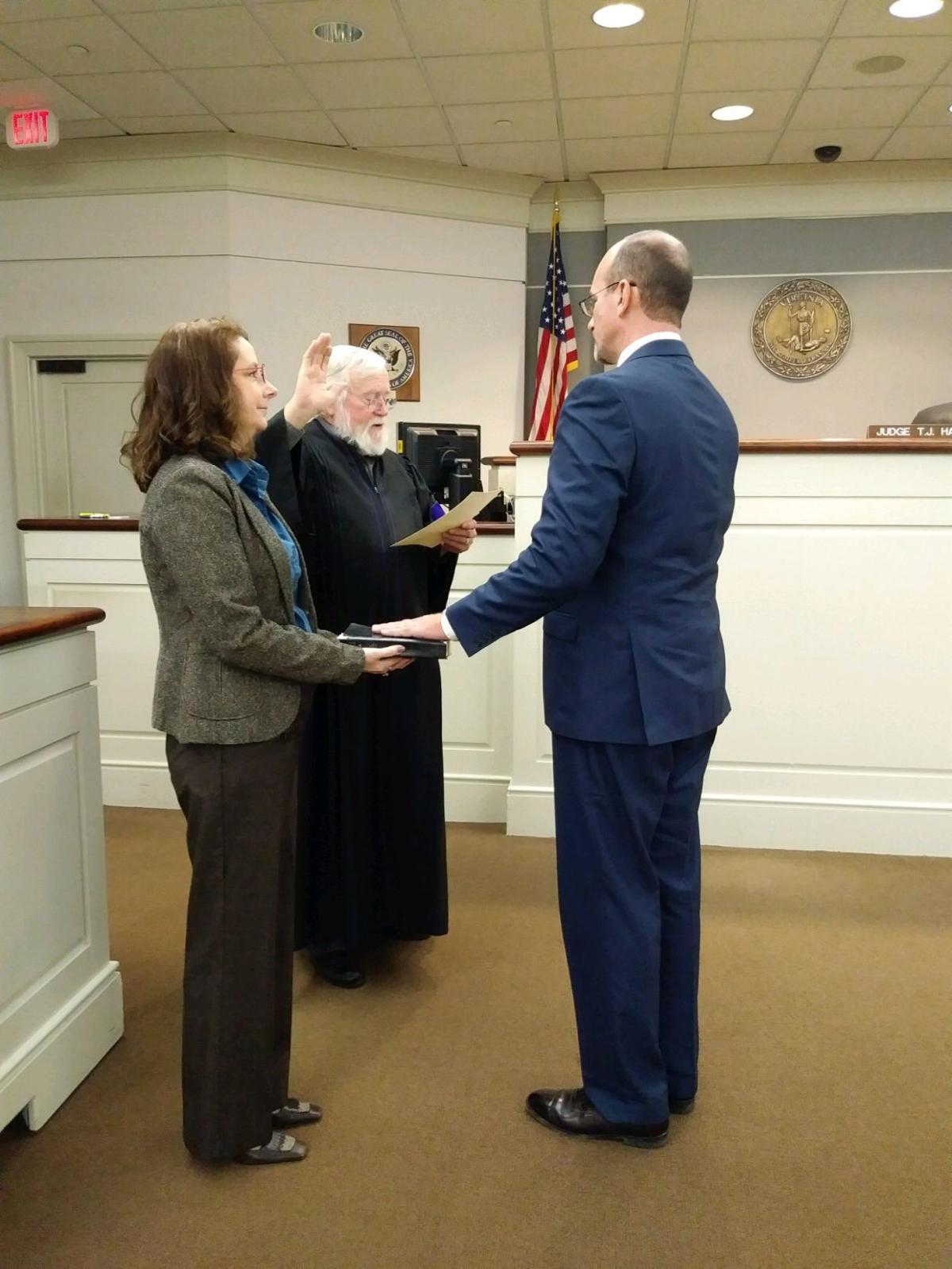 Scott Miles is sworn in as Chief Circuit Judge T.J. Hauler