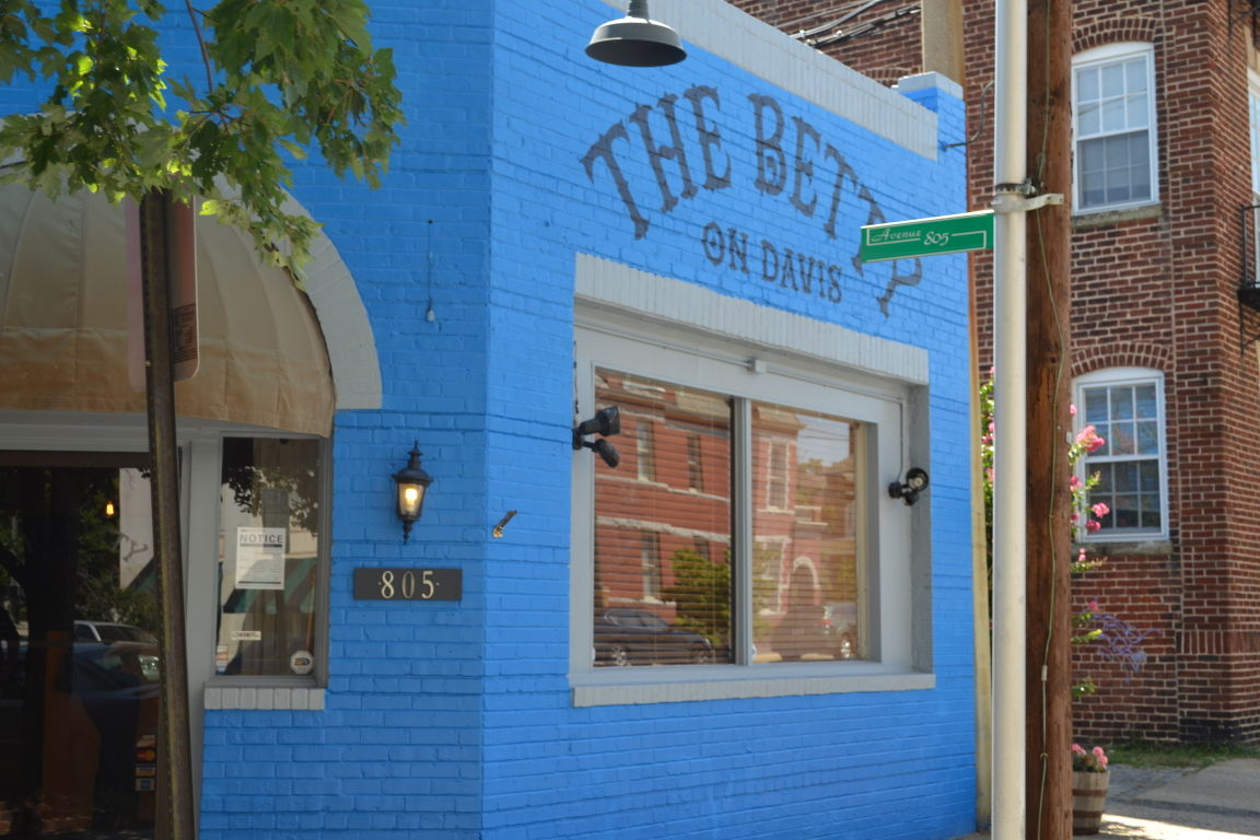 The Betty on Davis is Open | Restaurant News | richmond.com
