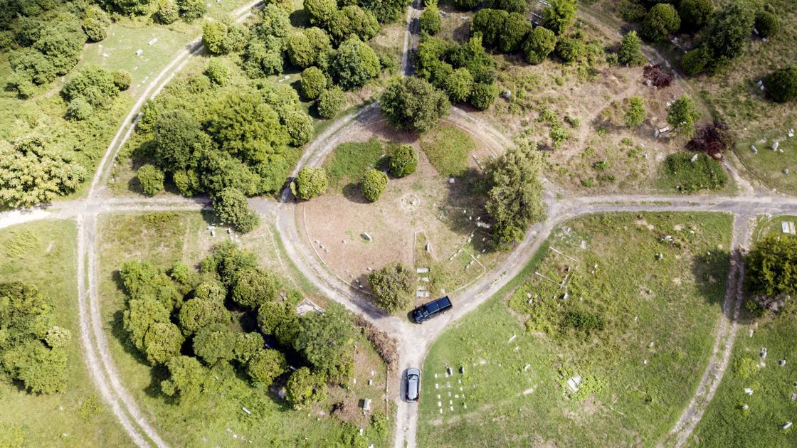 Foundation involved in restoring Richmond's historic Black cemeteries purchases Woodland Cemetery