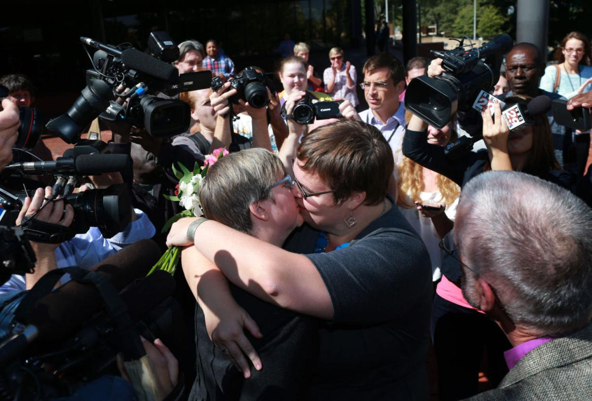 Marriage licenses issued as same-sex unions become legal in Va.
