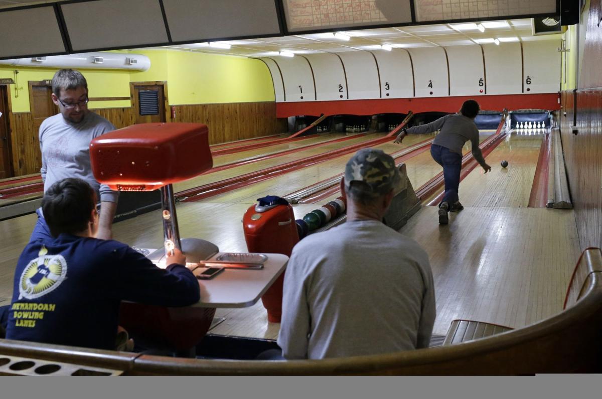 Duckpin Bowling Photo Essay