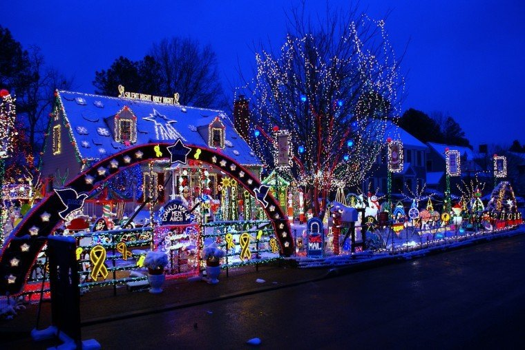 9716 Wendhurst Drive - Top 10 Picks For Tacky Lights Events Richmond.com