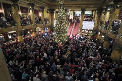 2016 Jefferson Hotel tree lighting