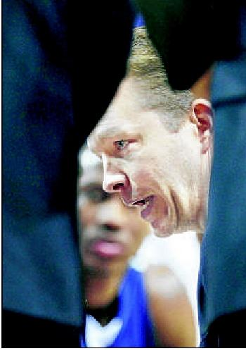 Mooney, VCU coach top $1 million a year