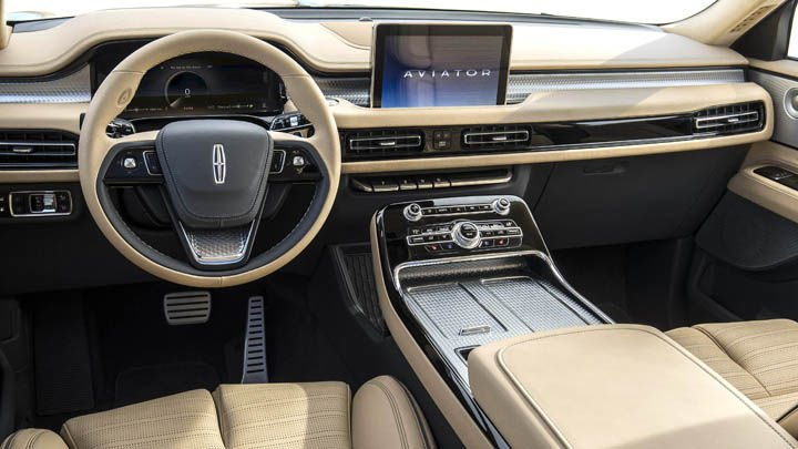 2019 Lincoln Aviator interior