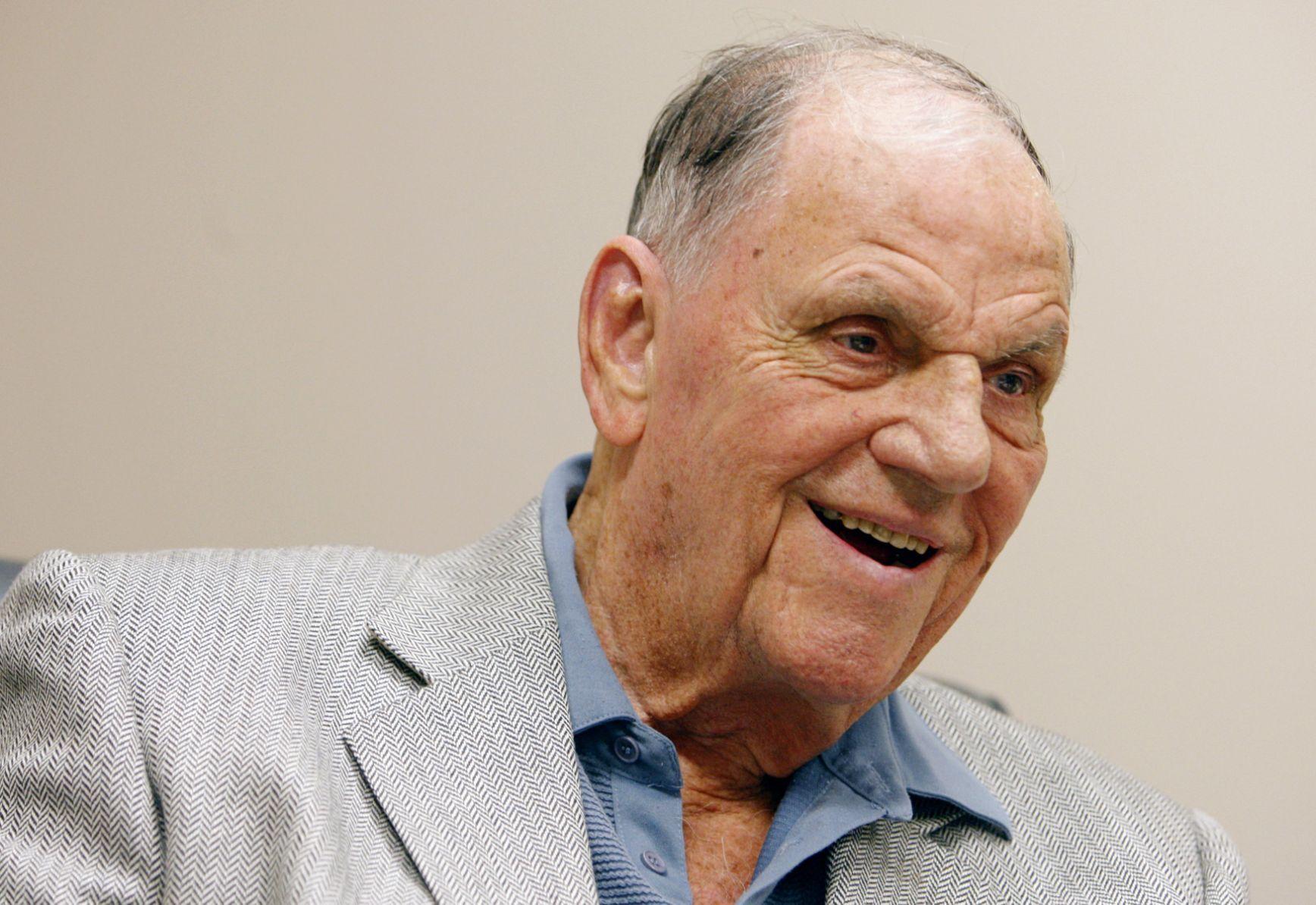 Auto Dealer Max H. Pearson Dies At 95