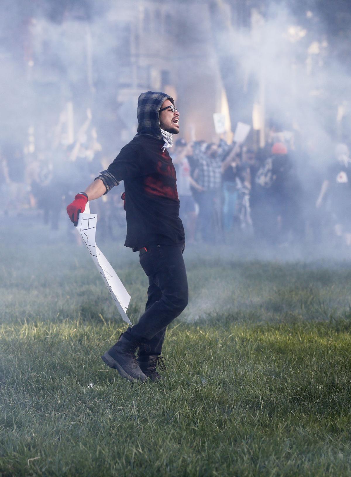 20200602_MET_PROTEST