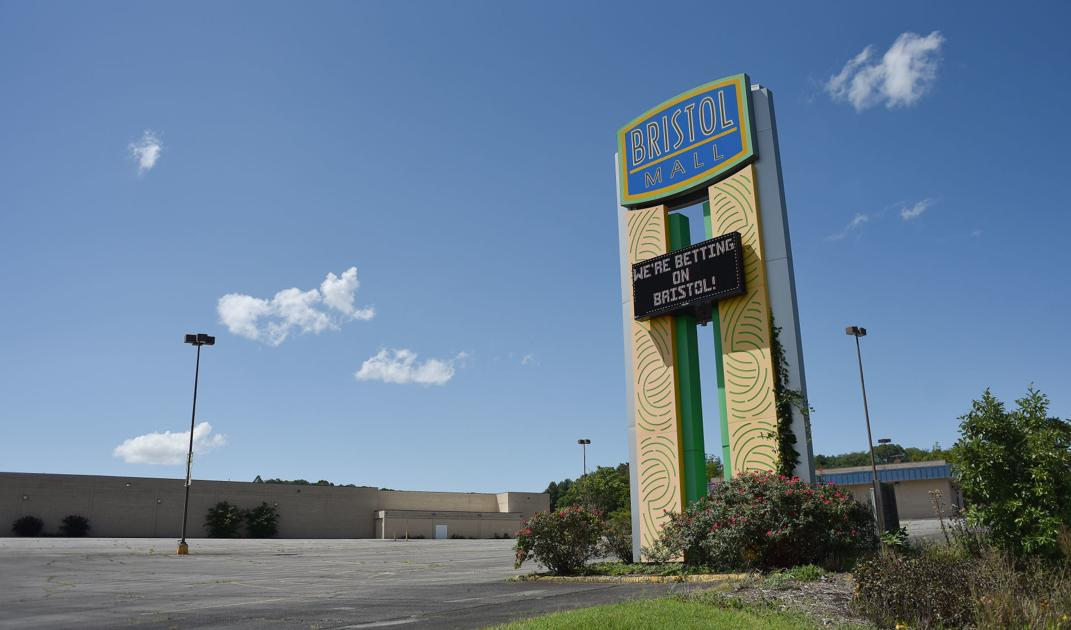 Threat to Tiverton casino seen in bill advanced in Congress