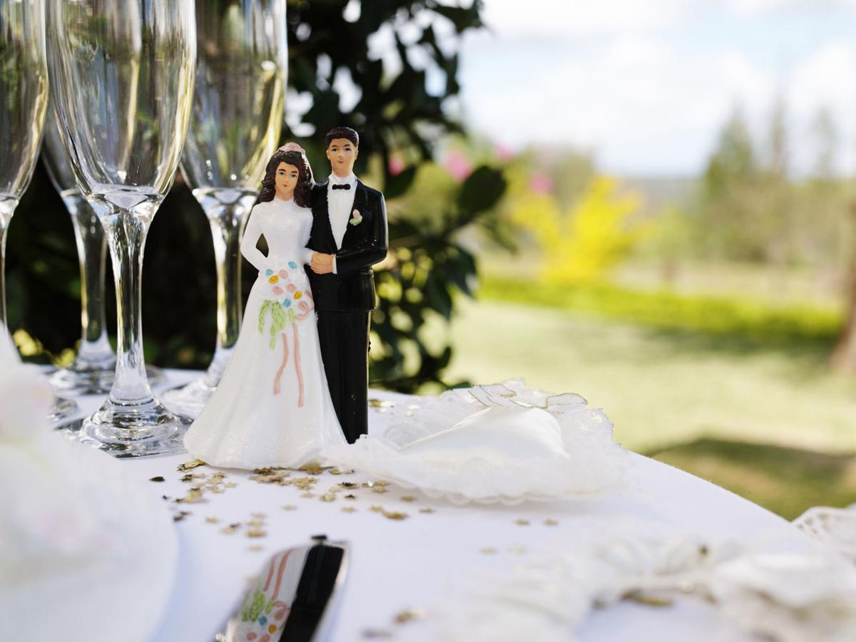 Ask Martha: Wedding advice for rehearsal dinners, groom\'s cakes and ...