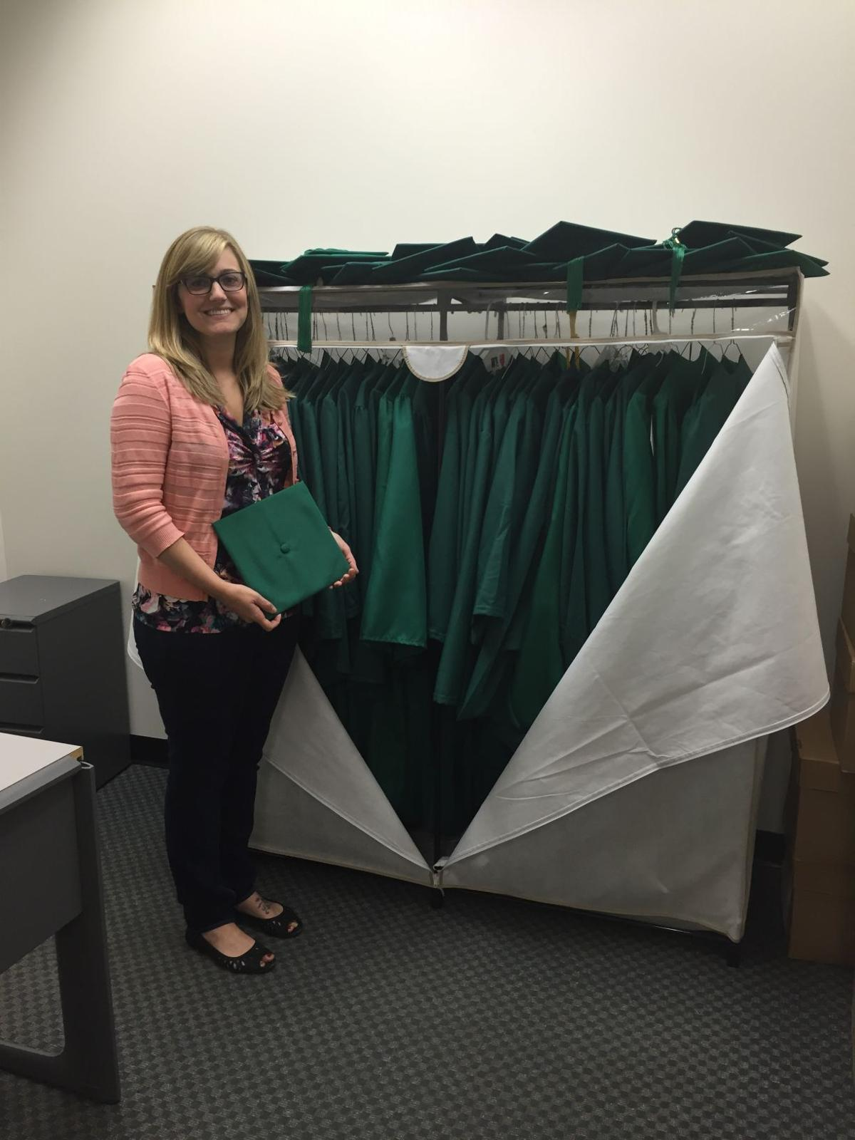 George Mason offers gowns to graduates in need | Virginia | richmond.com
