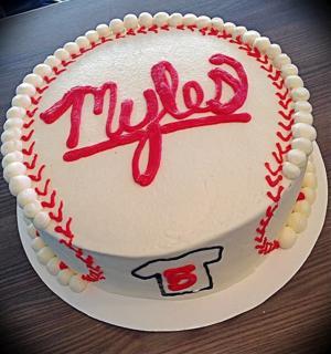 baseballcake.jpg