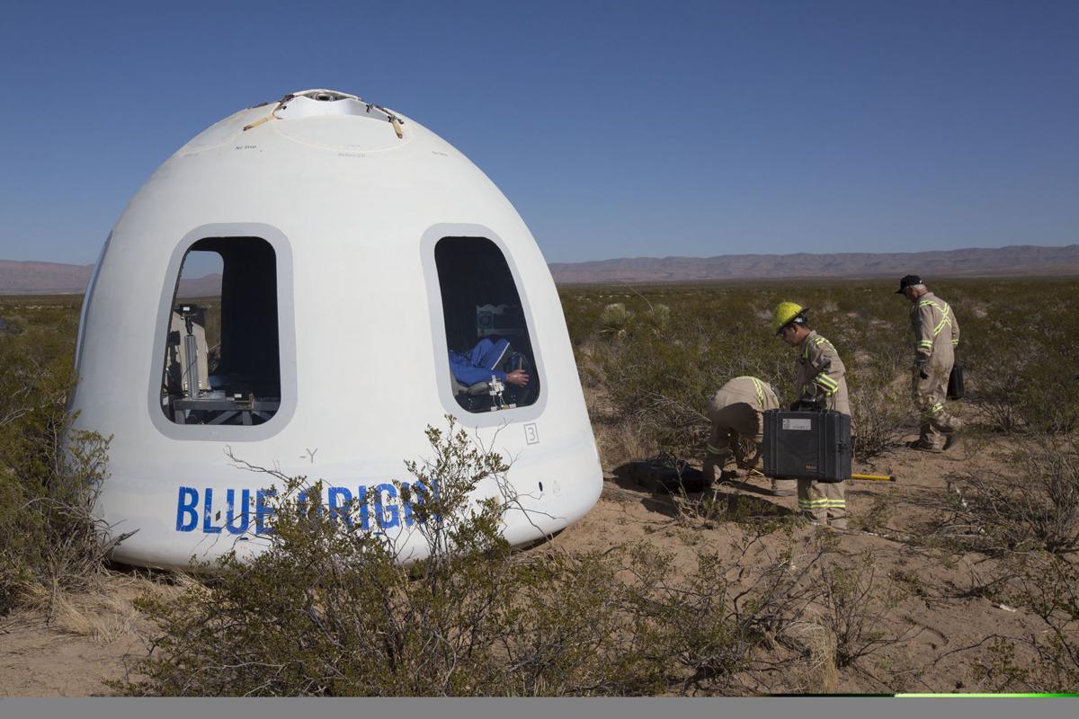 Blue-Origin-New-Shepard-Mission-7-Crew-Capsule-2.0-Landing-1 (1)