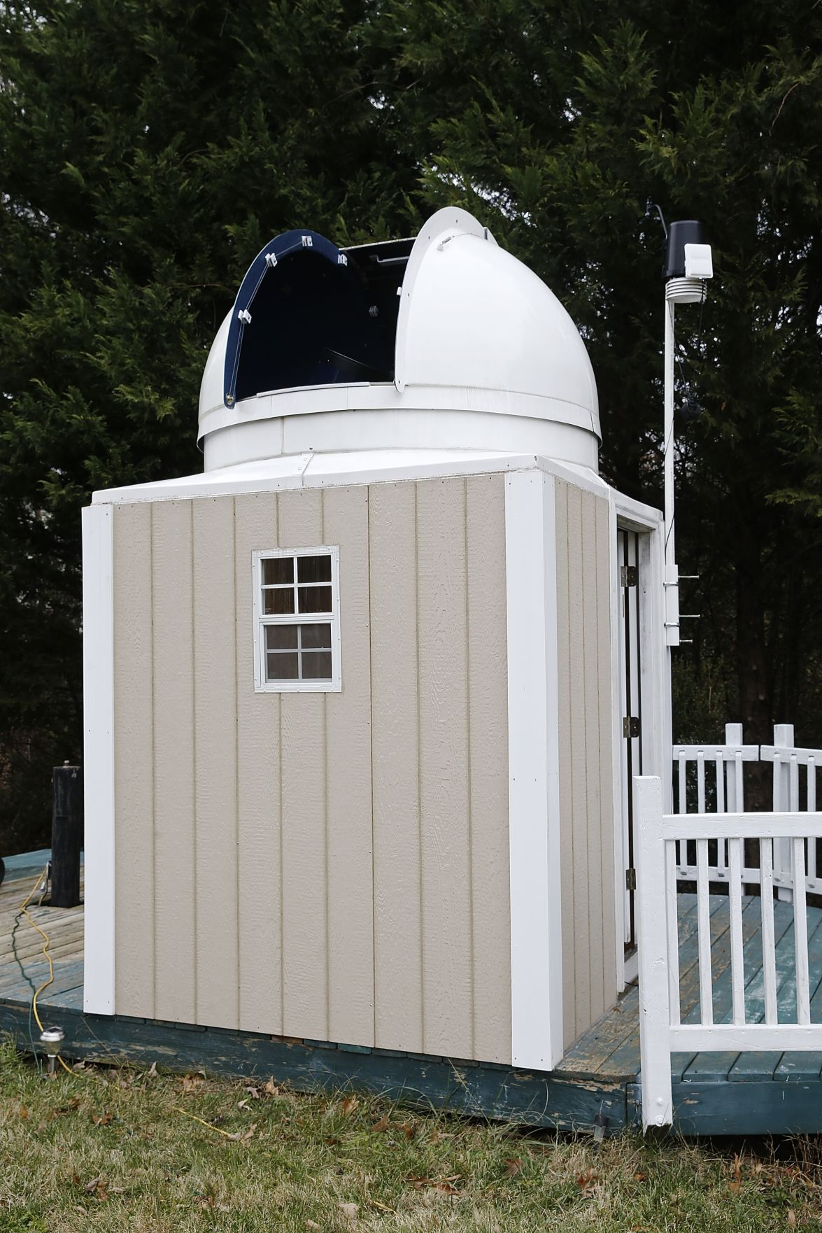 Superbe Jerry Hubbell And Myron Wasiuta Work Together To Maintain And Operate A  1865mm Telescope In Wasiutau0027s Backyard. The Online Observatory Can Be Used  By ...